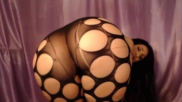 Luscious Lopez twerking in sexy leggings