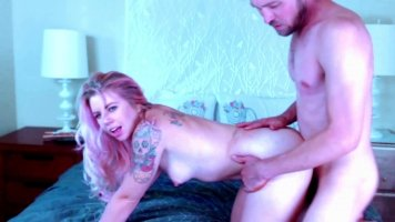 Tattooed slut loves the cock