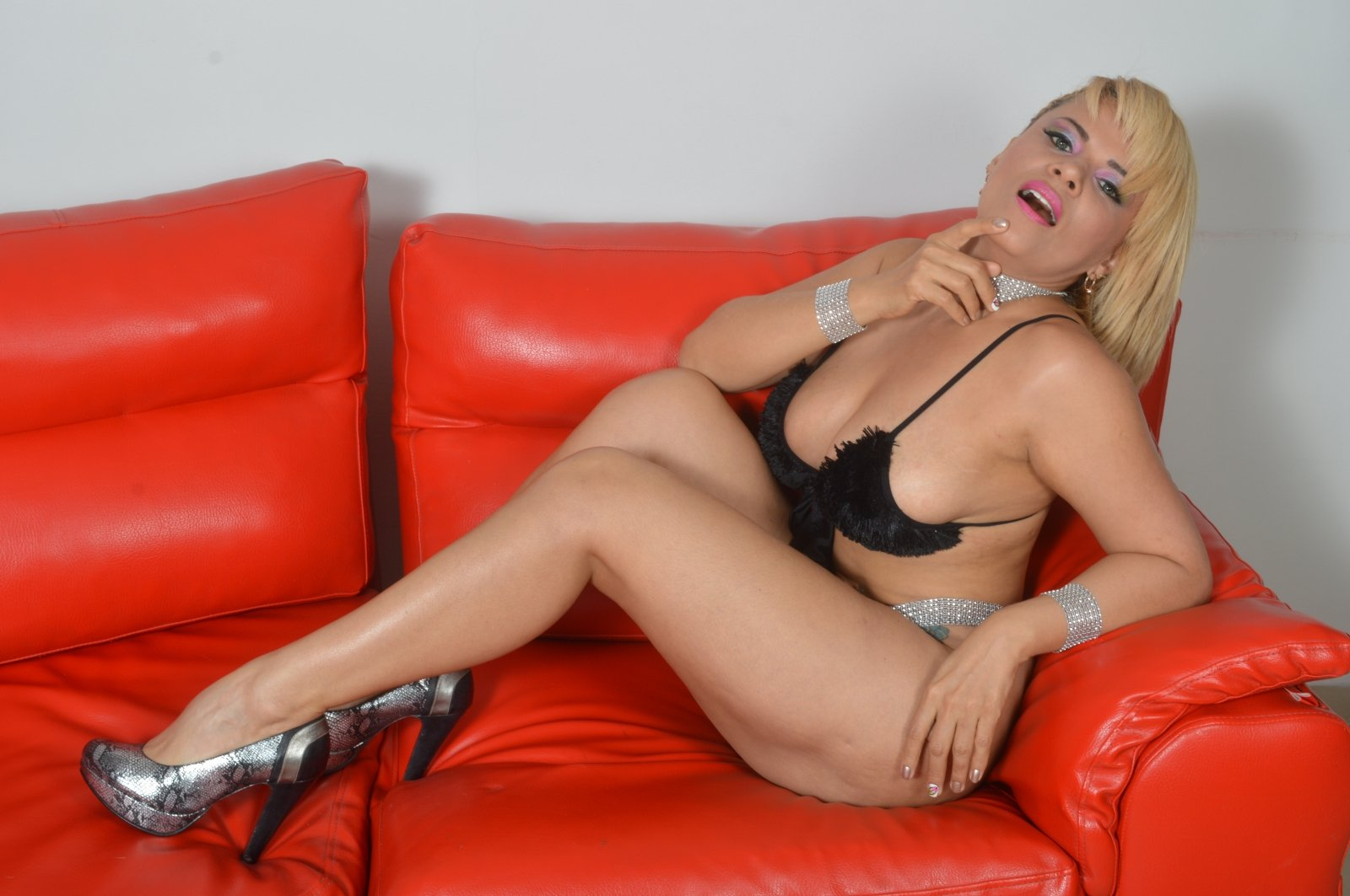 See Me Online For Free
