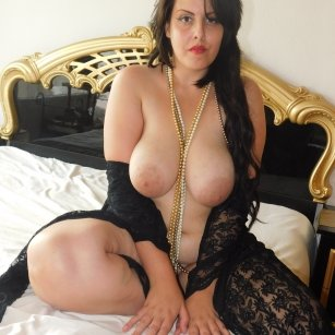 Model - Curvy NEW SKYPE ID roleplay